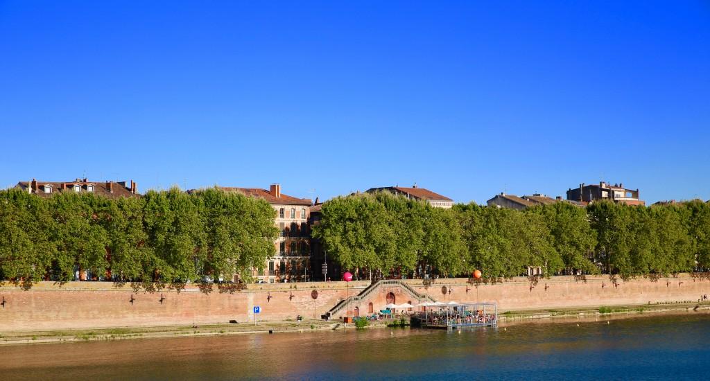 La guinguette sur les bords de la Garonne